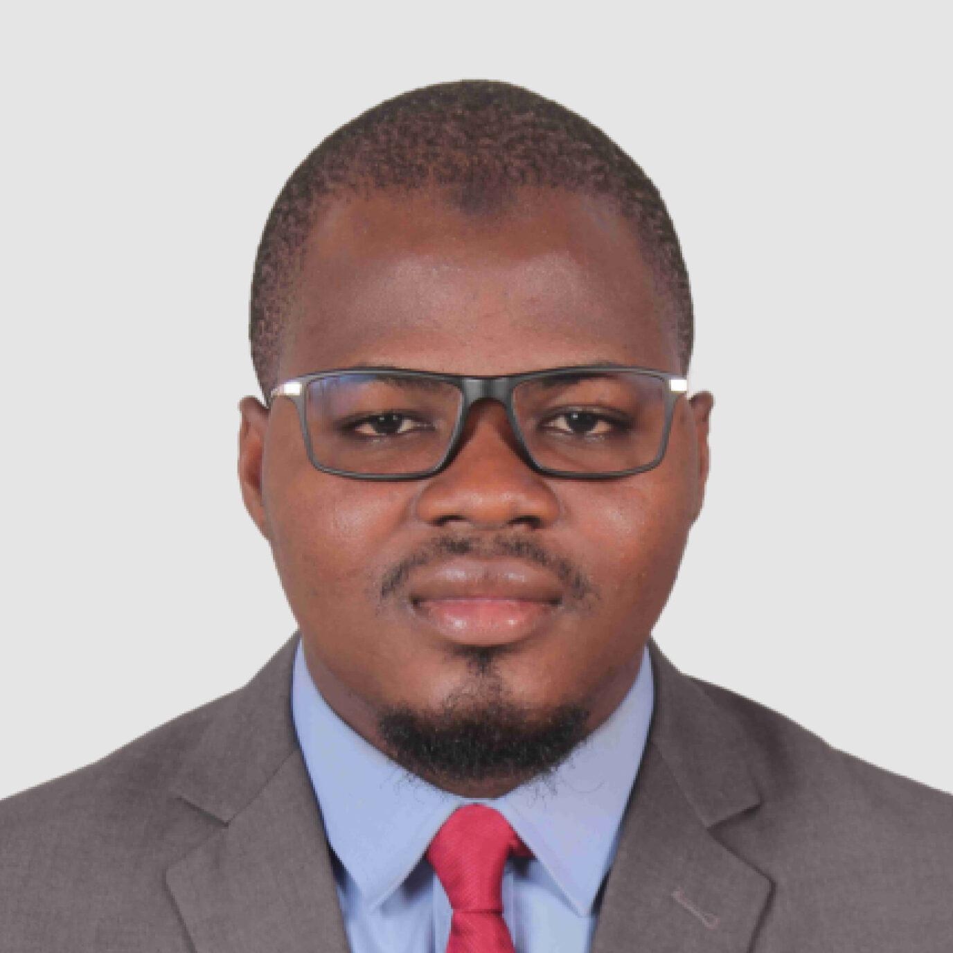 https://devafrique.com/wp-content/uploads/2021/07/Abdoul-Bassit-Sawadogo-Consultant-Burkina-Fasoto-2-e1631730131421.jpg